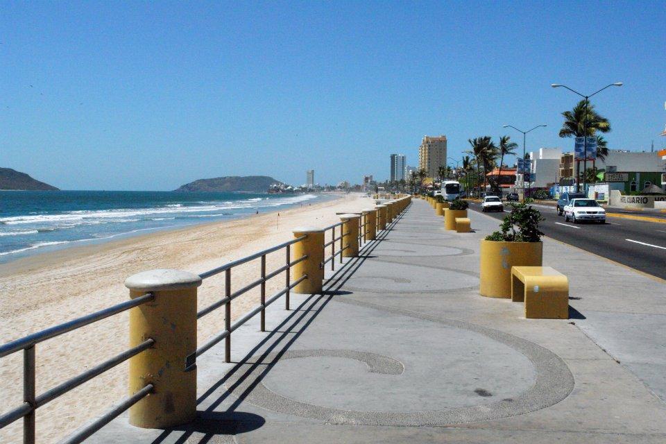 El esplendoroso mundo de las playas de mazatl n for Villas y bungalows en mazatlan